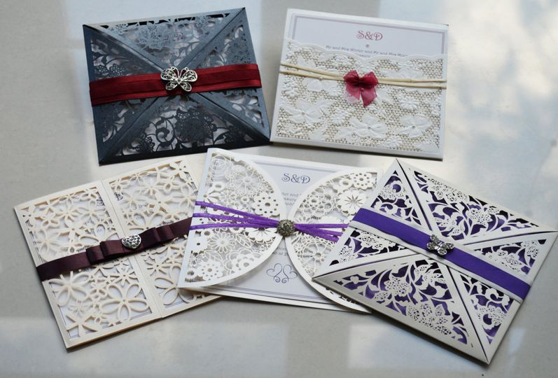 Lace wallet invitations