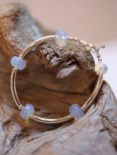 Timeless opals