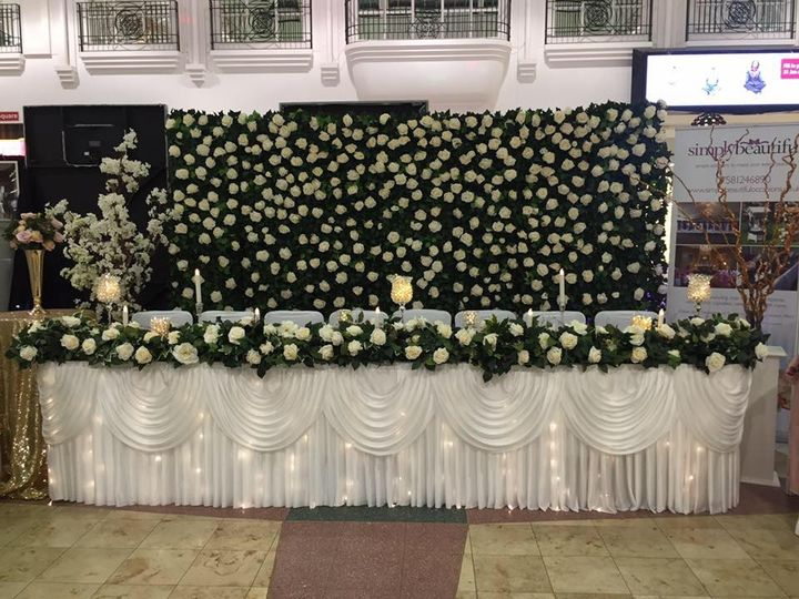 Flower wall and top table deco