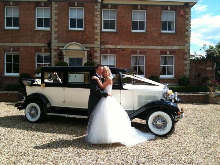 Vintage style wedding car-Ru