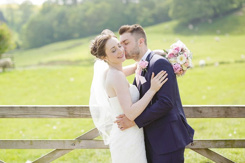 Kingscote barn wedding day