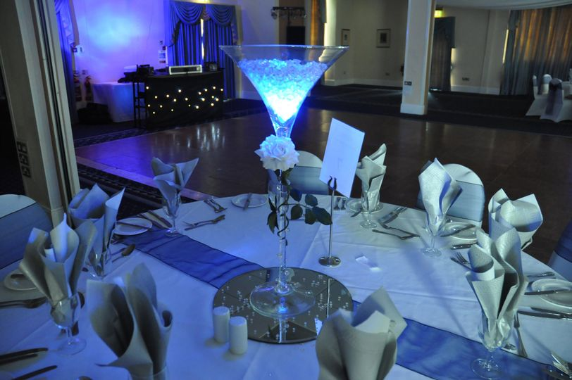 martini vase centerpieces from busy bee events wedding