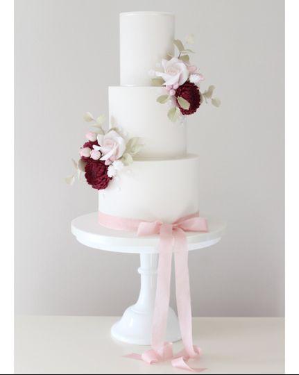 Burgundy chrysanthemums cake
