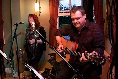 Laurie and Marcia of Avenue Acoustic Duo