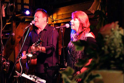 Marcia and Laurie of Avenue Acoustic Duo