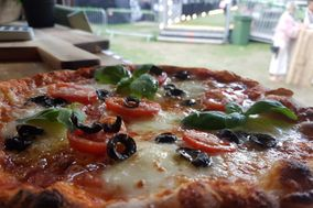 Cafe con Amore - mobile wood fired pizza