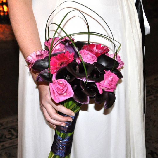 Roses and Cala Lily Bouquet