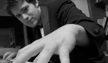 Oliver Stevenson Jazz Pianist