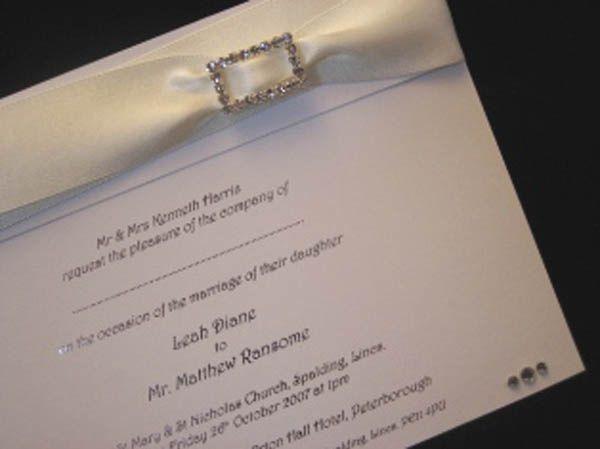 Emme invitation white