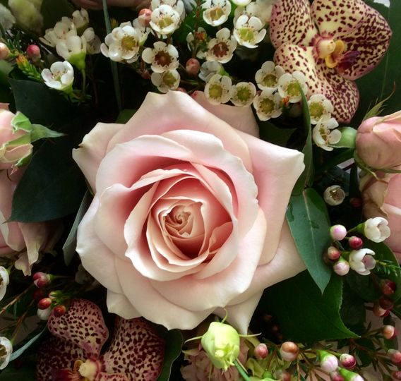 Bouquet of roses and orchids