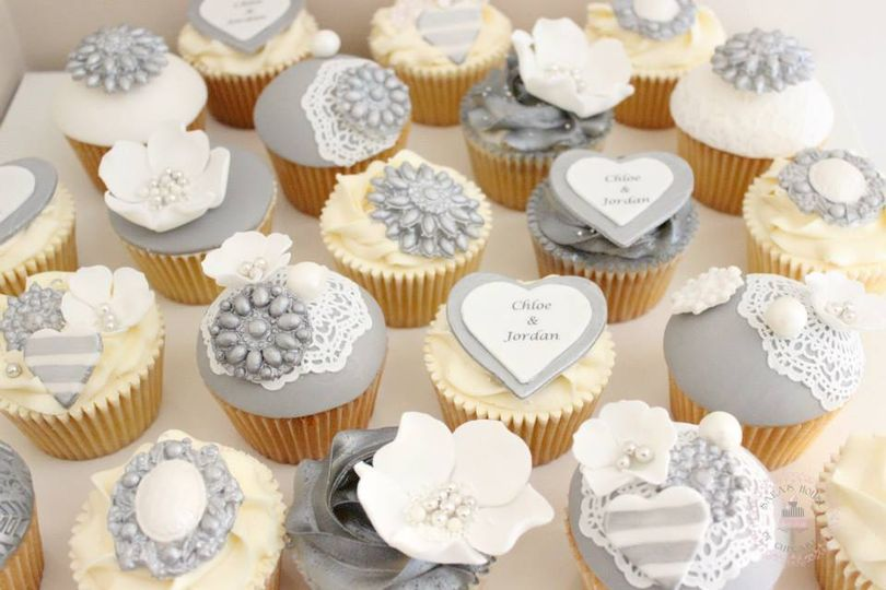 Wedding Cupcakes From Sara S House Of Cupcakes Photo 3