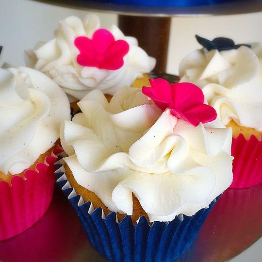 Wedding cupcakes to match