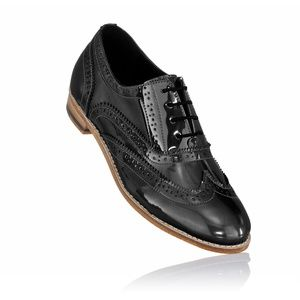 Unisex brogues black