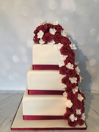 Burgundy wedding cake square