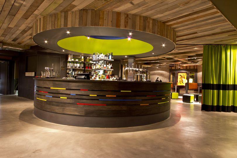 Internal bar