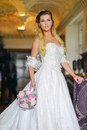 Stunning bride from Bucks