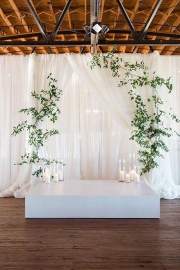 Tulle backdrop with flowers