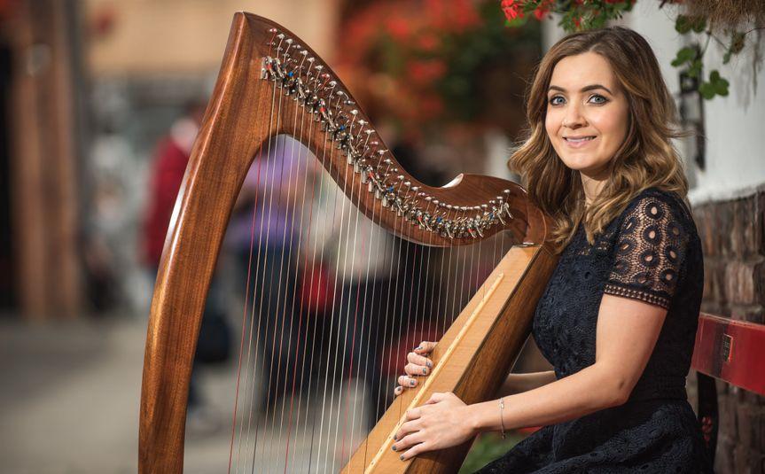 Emer Shearer - Harpist