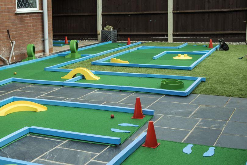 Mini golf courses
