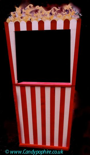 Popcorn box serving station