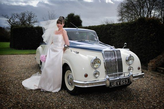 Our Stunning Bride & Armstrong Siddeley Sapphire Limousine