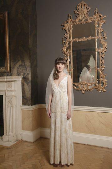 V neck god french lace dress