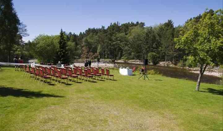 Outdoor Wedding in Resort