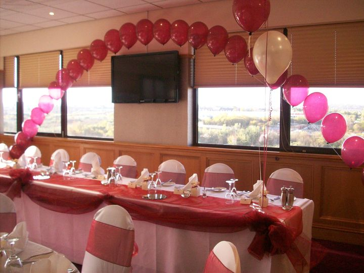 Balloon decorations for wedding reception