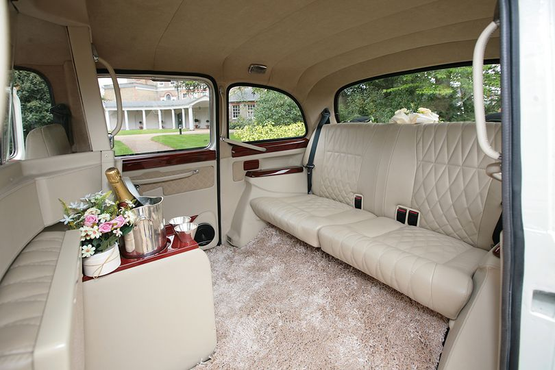 London Taxi Classic From Lux Wedding Car Hire Photo 17