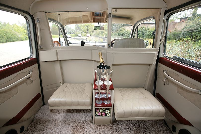 London Taxi Classic From Lux Wedding Car Hire Photo 18