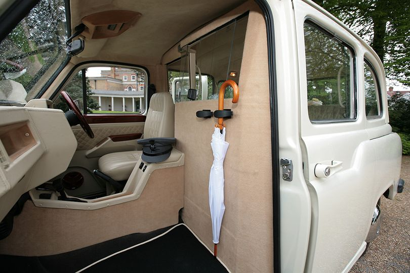London Taxi Vlassic From Lux Wedding Car Hire Photo 19
