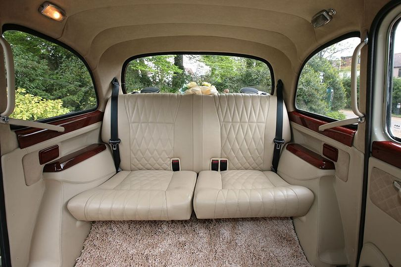 London Taxi Classic From Lux Wedding Car Hire Photo 20