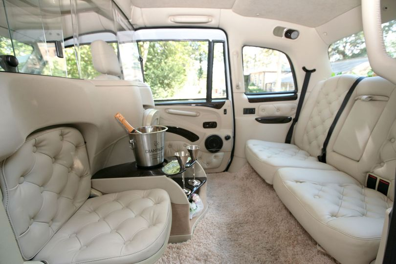 London Taxi Modern From Lux Wedding Car Hire Photo 12