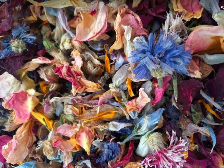 Mixed natural confetti