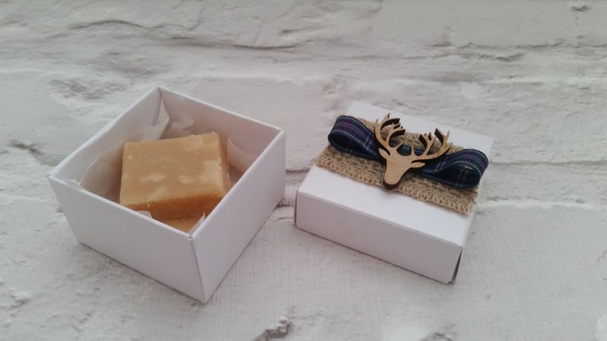 Box, ribbons and stags head