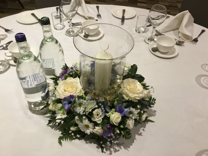 Traditional table centre