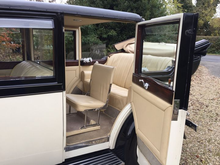 !932 Rolls-Royce interior