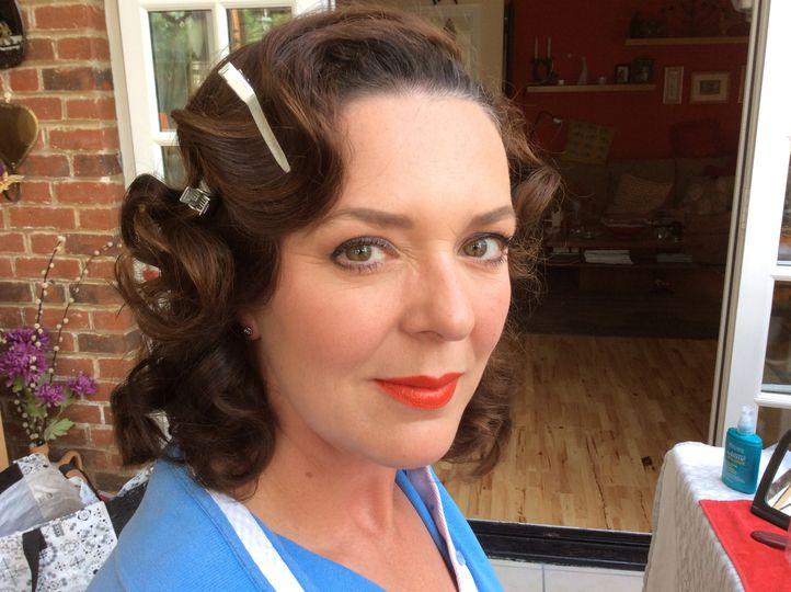 50's vintage make-up