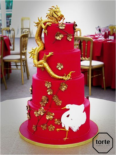 Chinese dragon wedding cake