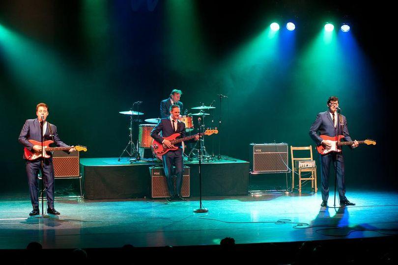 Live band 5