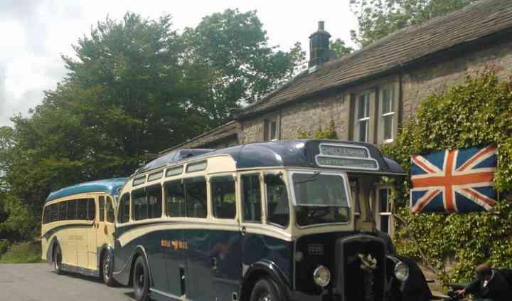 2x vintage coaches