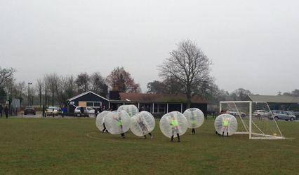 Zola Zorbz - Bubble Football