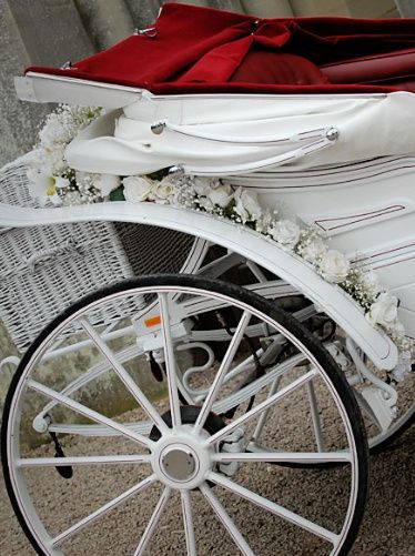 Carriage floral decor