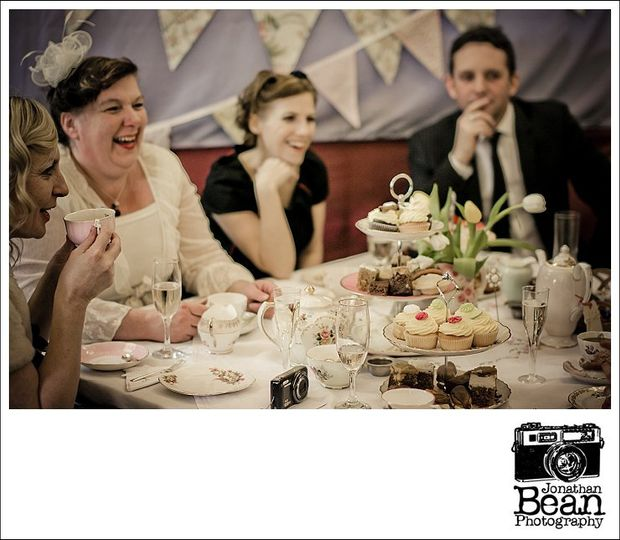 Vintage Inspired Centrepieces From Itsy Bitsy Vintage