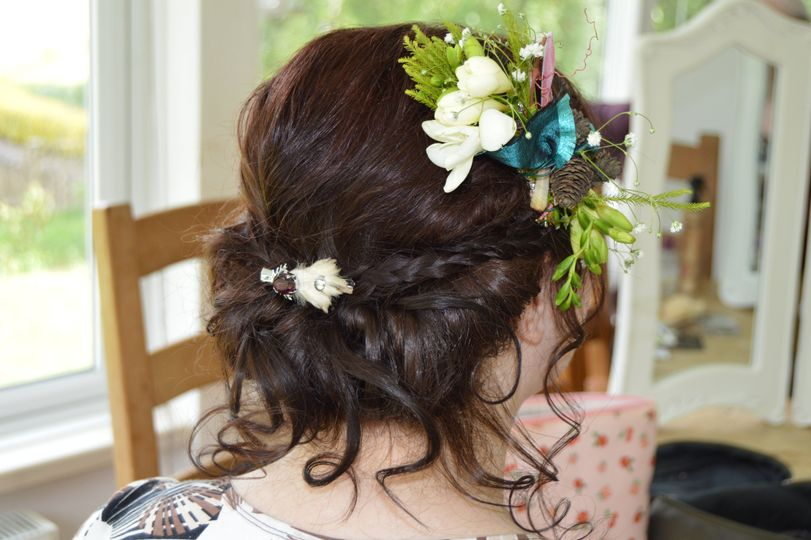 Quirky bridal up do