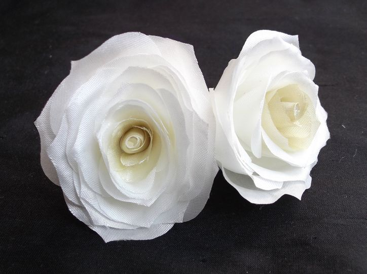 Ivory silk roses