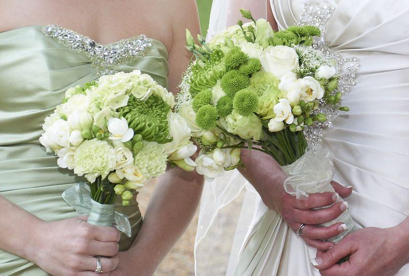 Green & white handtieds
