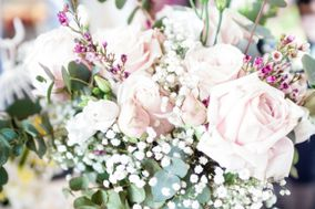 Alison White Wedding Flowers