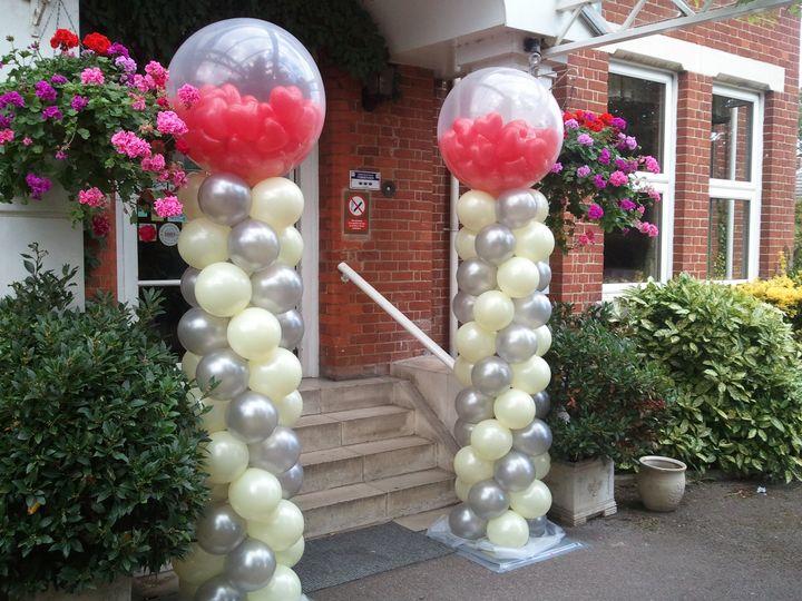 Balloon column heart filled