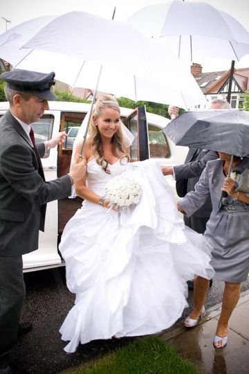 Will Dennehy Photography Bride in the rain